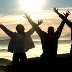 في أحلك الظروف يرسل لك الله ما يطيب خاطرك ويثبتك